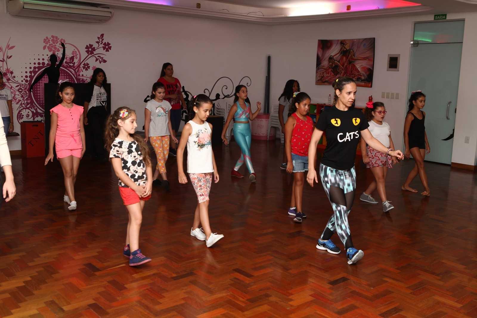 Projeto Verão 2019 - Aulas de dança (teenmix e infantimix)