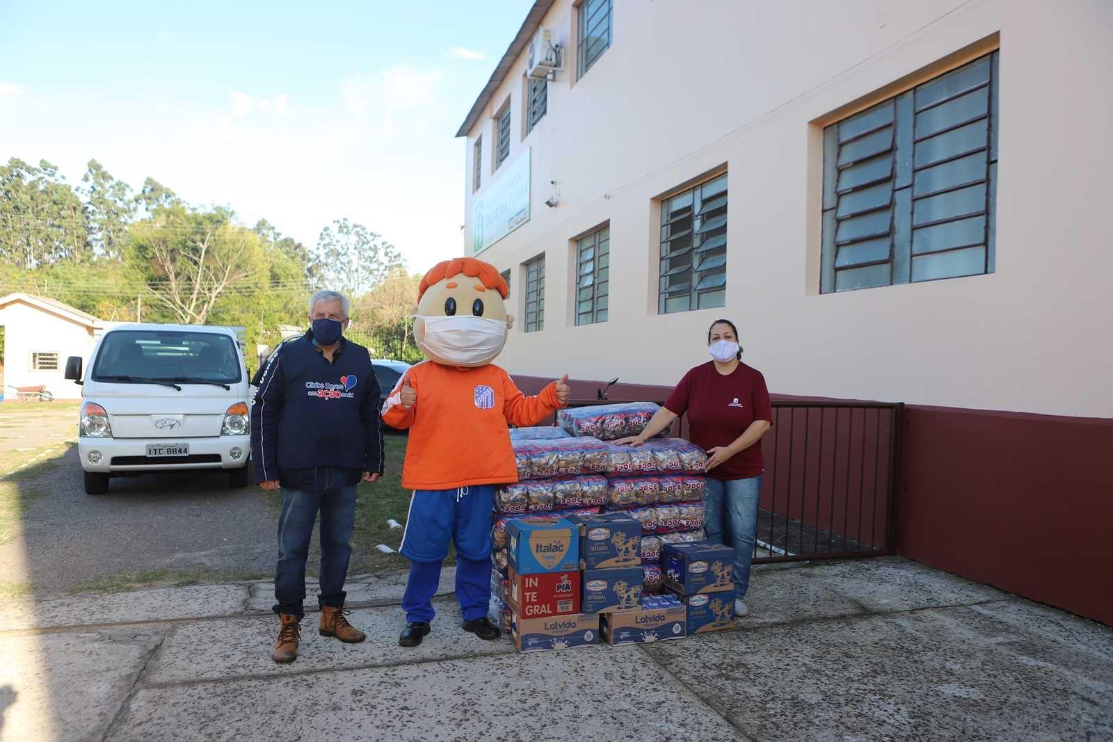 Dores em Ação Social - Vilas Conceição e Lorenzi, Lar Itagiba e no Abrigo Espírita Oscar José Pithan