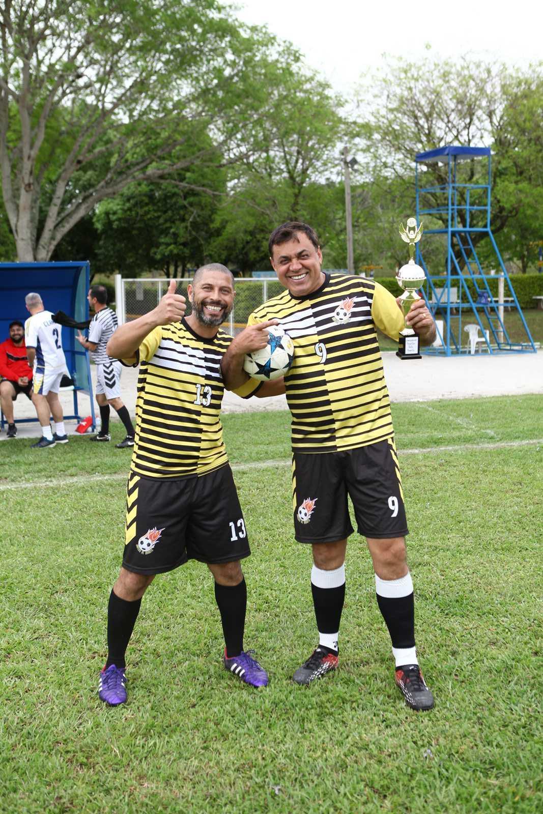 Jogo Festivo - Amigos de Quarta