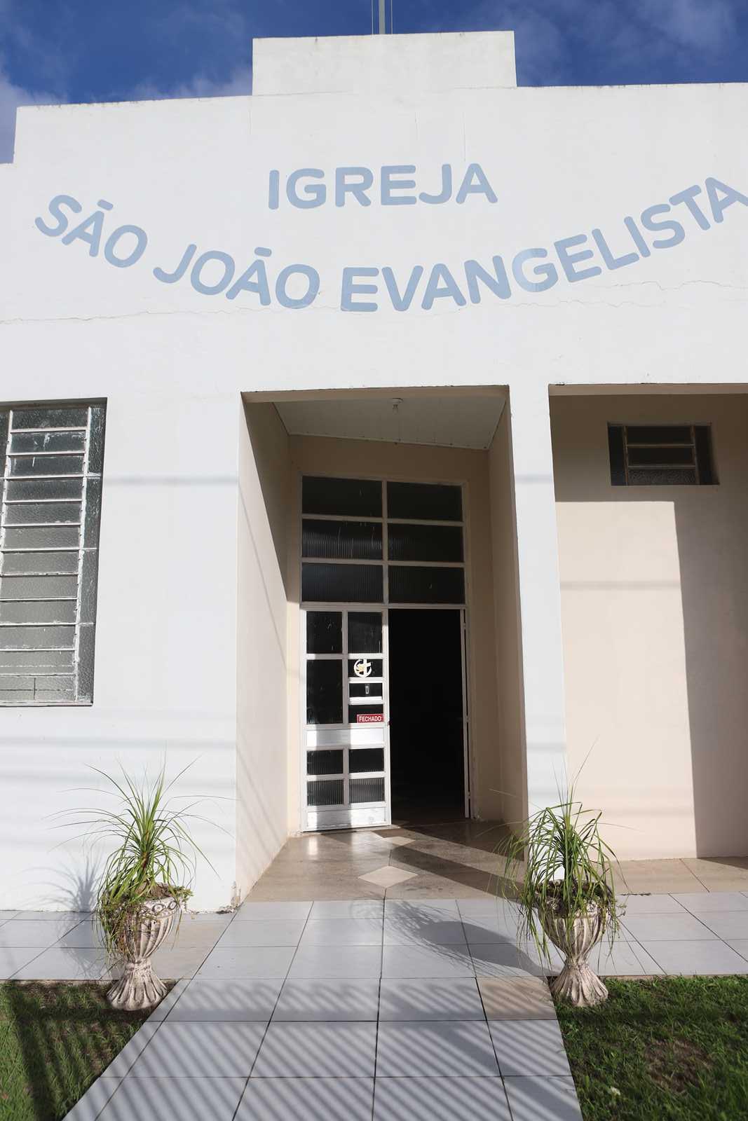 Dores em Ação Social -  Igreja São João Evangelista