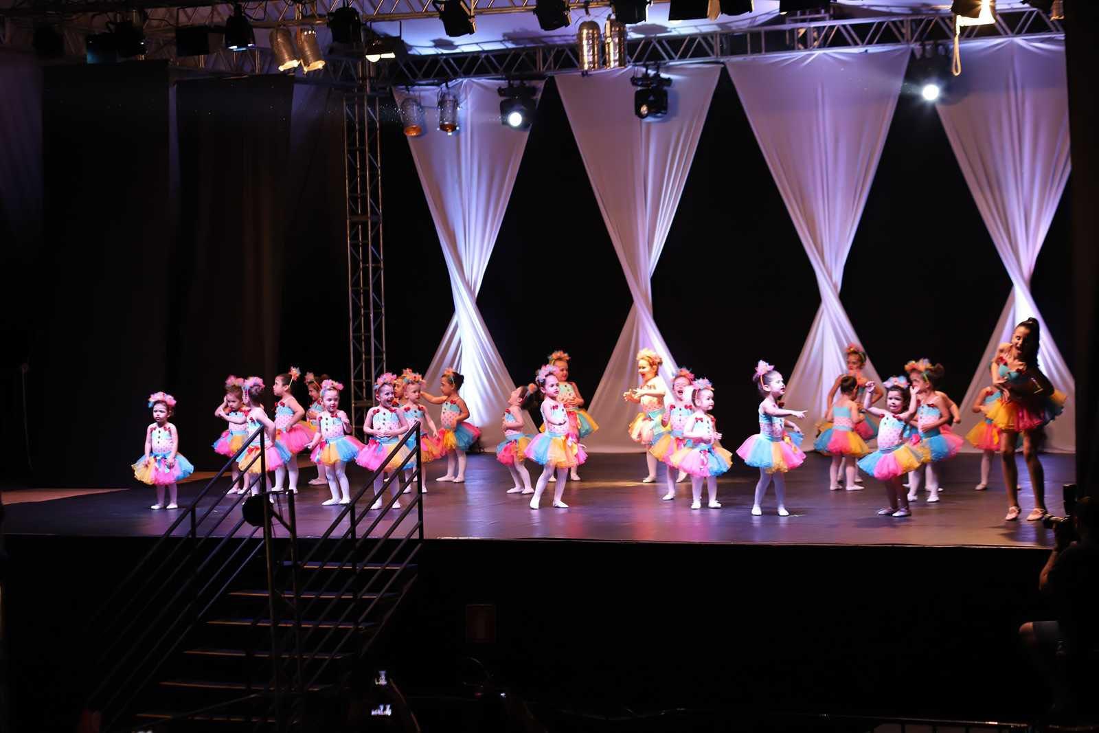 Essência - XV Espetáculo Dance One Dores Cia. de Dança