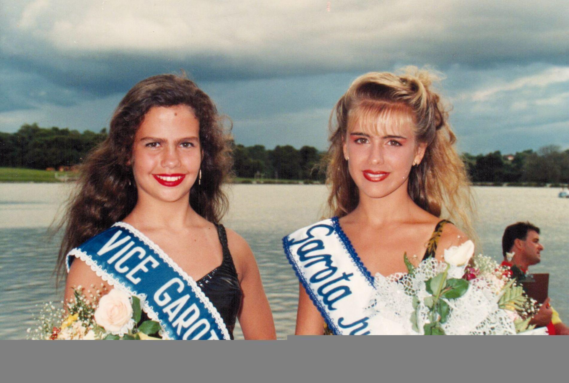 Maira e Daniela no concurso Garota do Sol, em 1993.