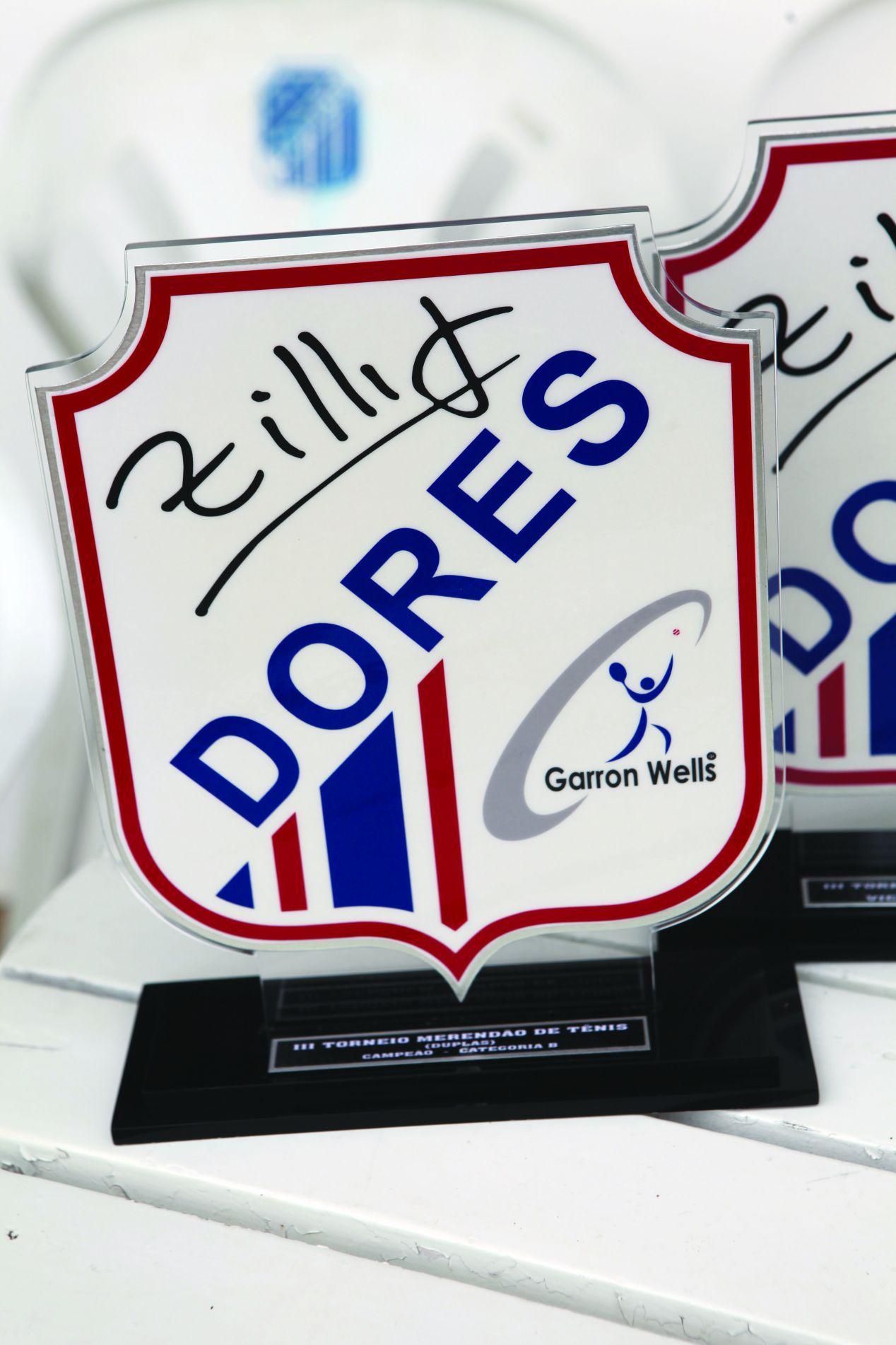 Troféu dado aos finalistas com a assinatura de Zillig.