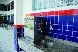 Reformas na canalização da água.