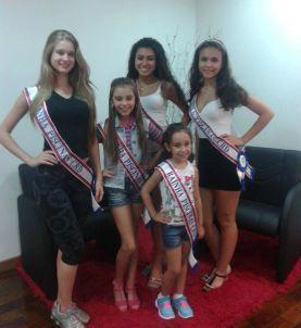 Da esq. para direita: Gabriela Dellavechia (Adulta), Bianca Domingues bandeira (Infantil), Eduarda Maximowitz (Teen), Evelyn da Luz Pinho (Juvenil) e Bianca de Ávila Colvero (Mirim)