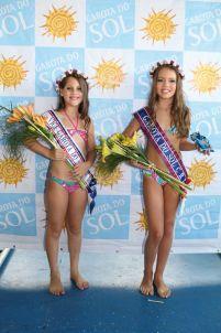 As vencedoras da categoria infantil: Larissa Pujol Vizzotto (esq.), em primeiro, e Débora Chies Colling (dir.), em segundo.