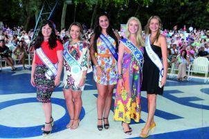 Etiele no Garota do Sol 2016 com as outras juradas do concurso, Clebiana Ruviaro, Josiane Oliveira dos Santos, Diana Della Méa e Kellen Caldas.